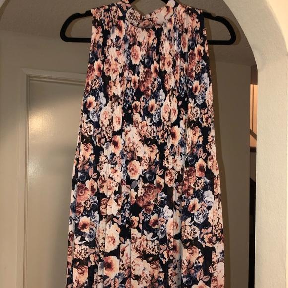 Xhilaration Dresses & Skirts - Floral dress